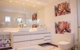 Особенности отделки ванной комнаты пластиковыми панелями