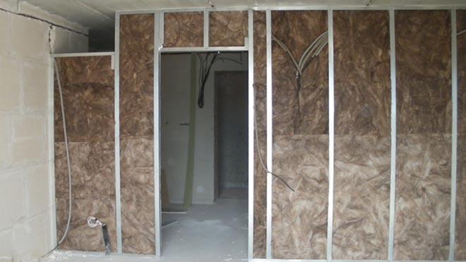 Стена с волокнистого материала