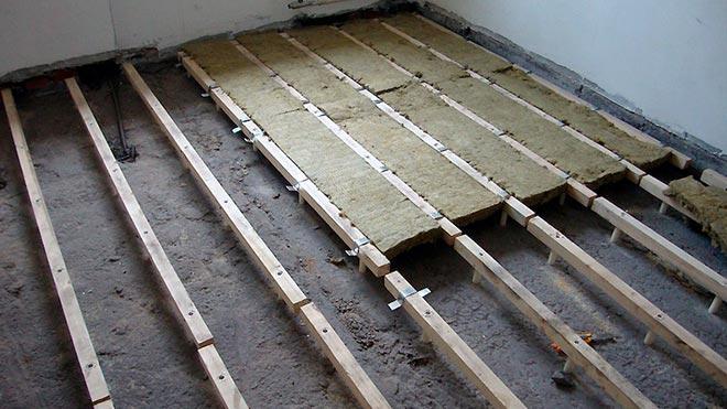 Ряды деревянных лаг
