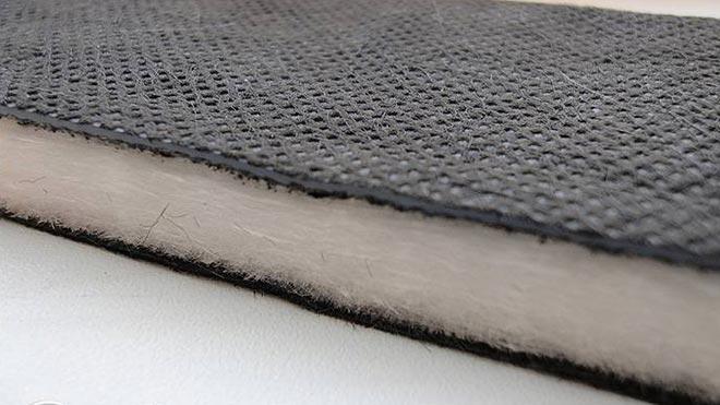 Слой резины и волокнистого материала
